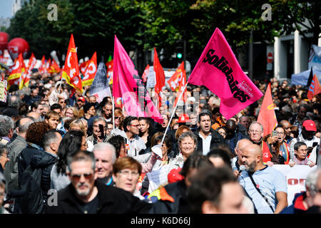 Paris, France. 12th Sep, 2017. Day of strike and protest against the labour Law reform with French unions, fairground - Stock Photo