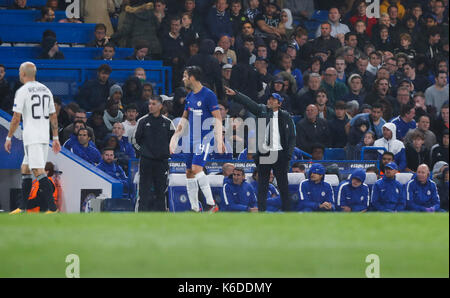 London, UK. 12th Sep, 2017. Antonio Conte of Chelsea instructs at the court side during the UEFA Champions League - Stock Photo