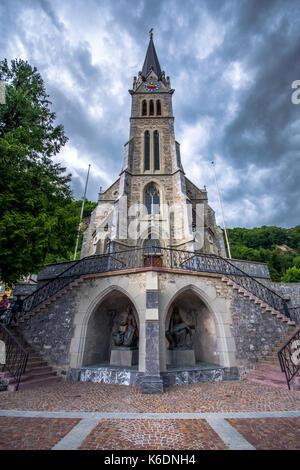 Cathedral St. Florin (or Vaduz Cathedral) in Vaduz, Liechtenstein, Europe. It was built in 1874 by Friedrich von - Stock Photo