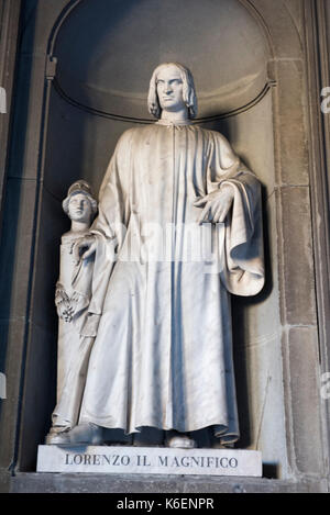 Statue of Lorenzo il Magnifico (Lorenzo de Medici) at the Uffizi Gallery in Florence, Tuscany Italy Europe EU - Stock Photo