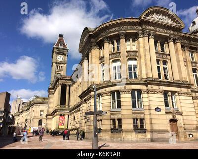 Birmingham Museum and Art Gallery (BMAG) Birmingham, United Kingdom - March 25, 2016: Building of Birmingham Museum - Stock Photo