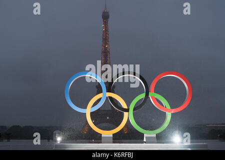 Paris, France. 13th Sep, 2017. The Olympic rings are seen at the Trocadero Square in Paris, France, on Sept. 13, - Stock Photo