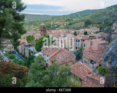 An overview of the southern French town of Moustiers-Sainte-Marie. - Stock Photo