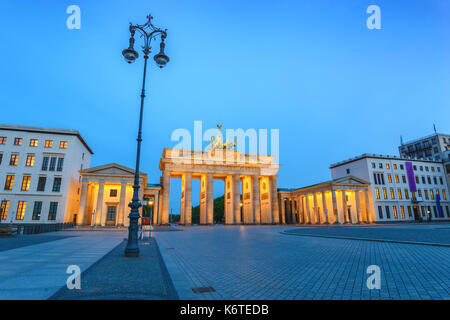 Berlin night city skyline at Brandenburg Gate (Brandenburger Tor), Berlin, Germany - Stock Photo