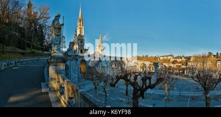 France, Hautes Pyrenees, listed at Great Tourist Sites in Midi Pyrenees, Lourdes, Lourdes sanctuaries, ouble driveway - Stock Photo