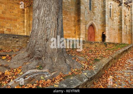 France, Lot, listed at Great Tourist Sites in Midi Pyrenees, Figeac, Notre Dame du Puy, side of the church lit by - Stock Photo