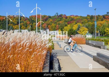 Canada, Quebec, the scenic Chemin du Roy, Quebec City, Samuel de Champlain promenade, a large landscaped park along - Stock Photo