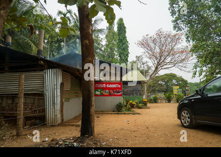 A typical road side eatery in Wayanad, Kerala, serves as a convenient stop for a quick filter coffe, snacks or meals - Stock Photo