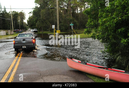 Elfers, United States. 13th Sep, 2017. September 13, 2017- Elfers, Florida, United States - A pickup truck is driven - Stock Photo