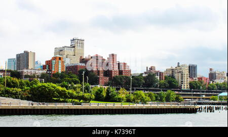 New York, USA - 28 September, 2016: Brooklyn Bridge Park is an 85-acre park on the Brooklyn side of the East River - Stock Photo