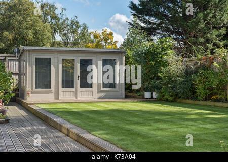 Garden Summerhouse Stock Photo Royalty Free Image Alamy - Modern garden summer house