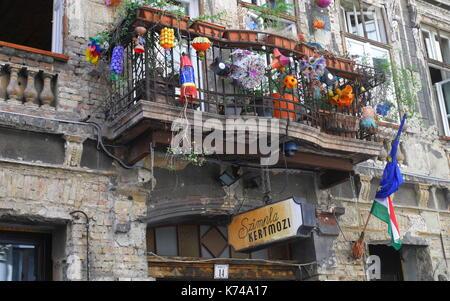 Entrance to Szimpla kert ruin bar, Kazinczy ut, Budapest, Hungary - Stock Photo