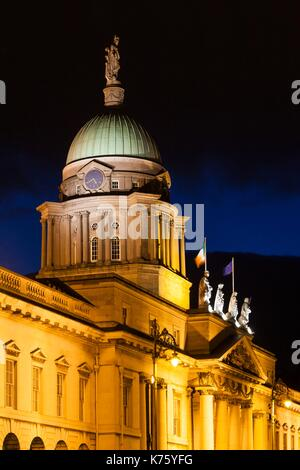 Ireland, Dublin, Custom House, dawn - Stock Photo