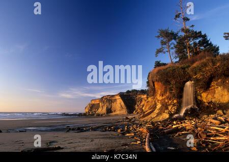 Beach waterfall, Marine Gardens State Park, Oregon - Stock Photo