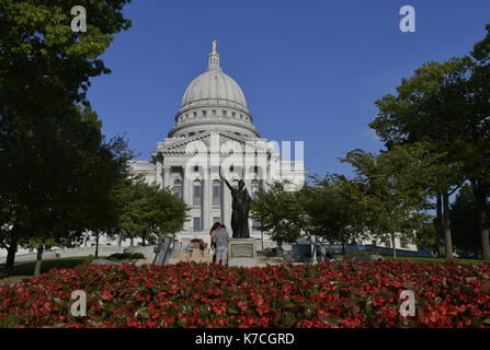 SEPTEMBER 12, 2017 - MADISON, WISCONSIN : The capital building in Madison, Wisconsin under a blue sky on September - Stock Photo