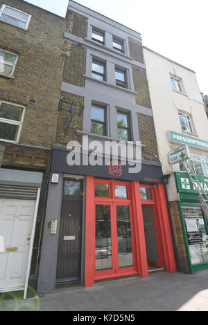 Photo Must Be Credited ©Alpha Press 079965 26/05/2016 Molly Bakes Bakery on Kingsland Road in East London. - Stock Photo