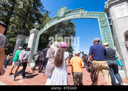 University of California Berkeley alumni, students and visitors on campus for Cal Day, the annual open house, shown - Stock Photo