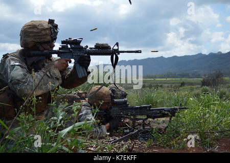 """Soldiers, assigned to the 2nd Battalion, 35th Infantry Regiment, 3rd Brigade Combat Team, """"Broncos,"""" 25th Infantry - Stock Photo"""
