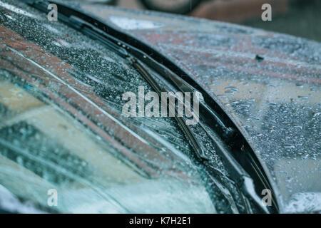 how to clean windshield streaks
