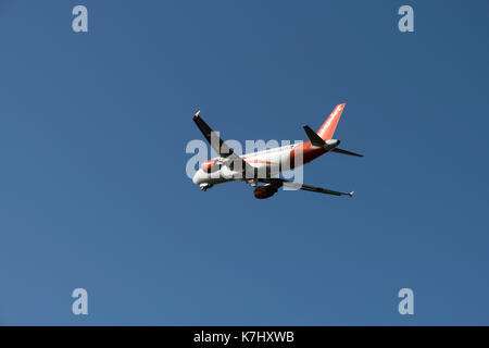 EasyJey Airbus A320-214 departs Bristol Airport - Stock Photo