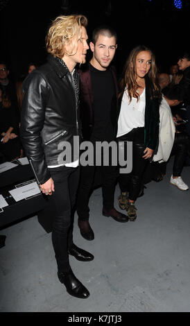 Photo Must Be Credited ©Kate Green/Alpha Press 079965 08/01/2016 Dougie Poynter Nick Jonas and Chloe Green Topman - Stock Photo