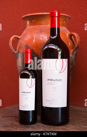 Bottles of red wine Pruno at Finca Villacreces, Ribera del Duero bodega wine production by River Duero, Navarro, - Stock Photo