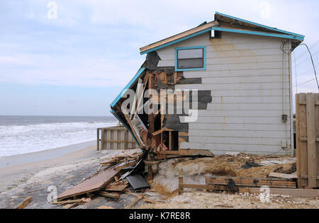September 16, 2017- South Ponte Vedra Beach, Florida, United States - Waves are seen near a beachfront home on September - Stock Photo