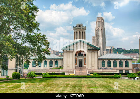Hamerschlag Hall (Engineering) on the campus of Carnegie Mellon University, Pittsburgh, Pennsylvania, USA - Stock Photo