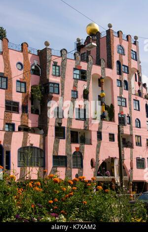 die 'Grüne Zitadelle' in Magedeburg (Hundertwasser-Architektur) - Stock Photo