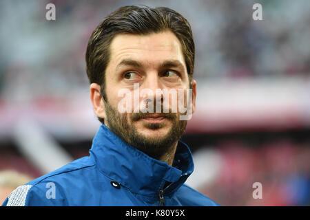 Muenchen, Deutschland. 16th Sep, 2017. Sandro SCHWARZ, Trainer (1.FSV FSV Mainz 05), Einzelbild, angeschnittenes - Stock Photo