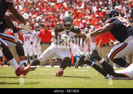 Tampa, Florida, USA. 17th Sep, 2017. WILL VRAGOVIC | Times.Tampa Bay Buccaneers running back Jacquizz Rodgers (32) - Stock Photo