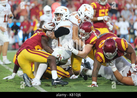 Los Angeles, CA, US, USA. 16th Sep, 2017. September 16, 2017: Texas Longhorns running back Kyle Porter (21) can't - Stock Photo