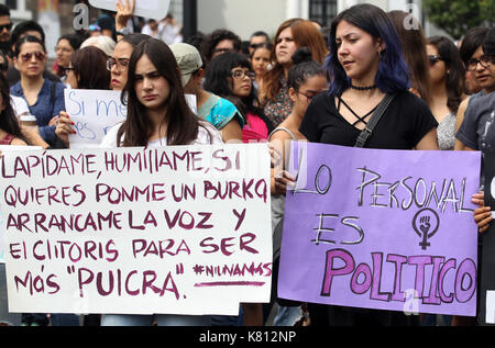 Guadalajara, Mexico. 17th Sep, 2017. Hundreds of people march, by the main avenues of the City of Guadalajara, Mexico, - Stock Photo