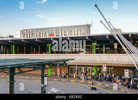 Entrance to Milan Linate, which services short and medium-range destinations in Europe and is Alitalia's hub - Stock Photo