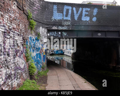 Towpath of Grand Union canal in Hackney London UK - Stock Photo