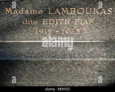 Grave of French cabaret singer Édith Piaf in Père Lachaise Cemetery, Paris, France. - Stock Photo