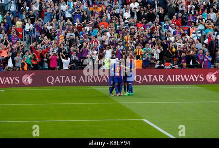 Barcelona v Villarreal at the Camp Nou Stadium - 6th May 2017. Barcelona players celebrating goal scored by Leo - Stock Photo