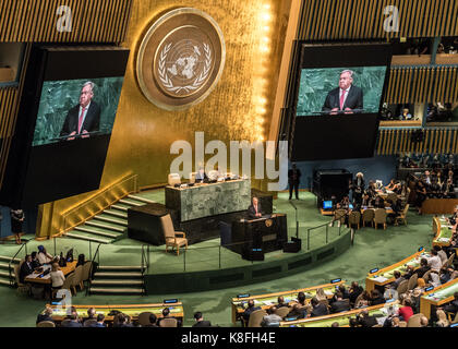 New York, USA. 19th Sep, 2017. United Nations Secretary-General Antonio Guterres addresses the opening session of - Stock Photo