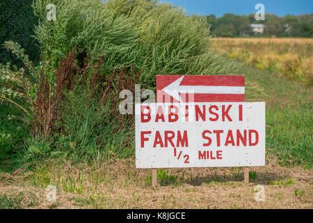 babinski farm stand sign on the side of the road in Bridgehampton, ny - Stock Photo