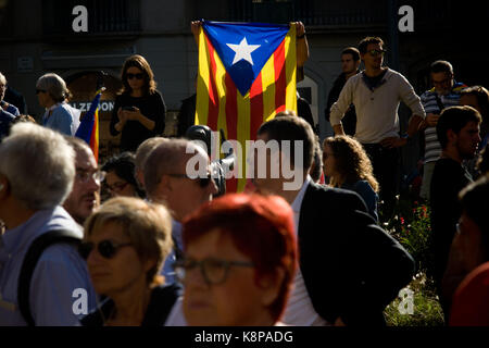 Barcelona, Spain. 20th Sep, 2017. Pro-independence supporters among a estelada flag (sign of Catalonia independence) - Stock Photo