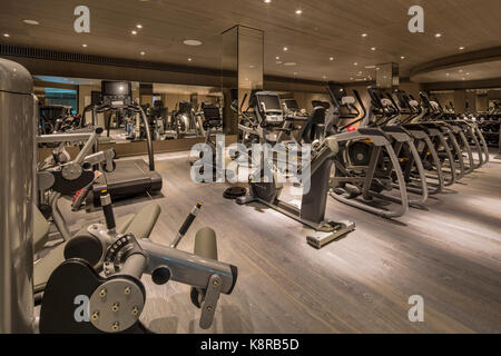 Gym. Ten Trinity Square - Four Seasons Hotel, City of London, United Kingdom. Architect: Aukett Swanke, 2017. - Stock Photo