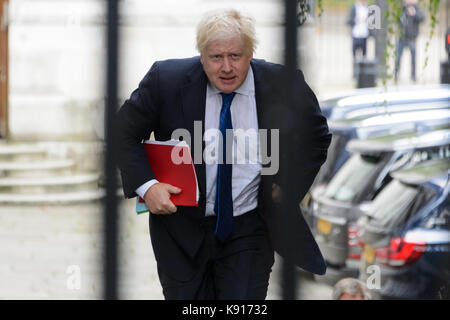 London, UK. 21st Sep, 2017. Foreign and Commonwealth Secretary Boris Johnson arrives to attend cabinet meeting act - Stock Photo