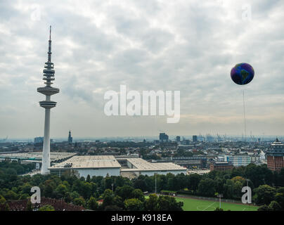 Hamburg, Germany. 21st Sep, 2017. A big balloon printed with a map of the world in Hamburg, Germany, 21 September - Stock Photo