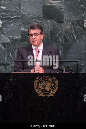 New York, USA. 21st Sep, 2017. German Foreign Minister Sigmar Gabriel (SPD) speaking at the United Nations General - Stock Photo