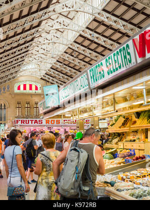 Fresh fruit and veg on sale at the indoor Central Market (Mercat Central / Mercado Central), Valencia, Spain, Europe. - Stock Photo