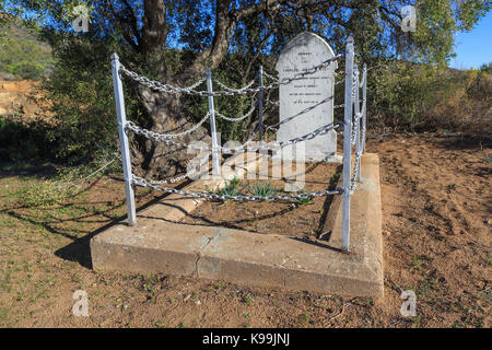 The grave of Charles James Darter, of the British Army.  Darter was killed in an ambush during the Boer War in 1902. - Stock Photo