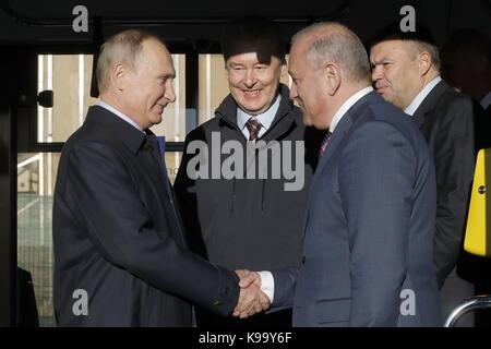 Ulyanovsk, Russia. 22nd Sep, 2017. Russia's President Vladimir Putin, Moscow Mayor Sergei Sobyanin (L-R) attend - Stock Photo