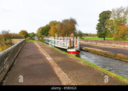 Aqueduct over the River Trent on the Staffordshire and Worcestershire Canal near to Great Haywood junction, Stafford, - Stock Photo