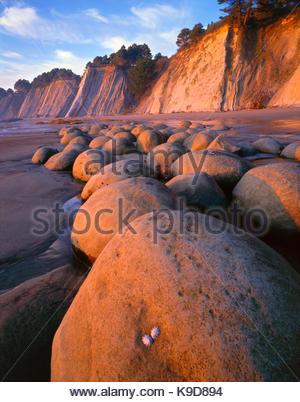 Sunset on Bowling Ball Beach, Schooner Gulch State Park, Mendocino Coast, California