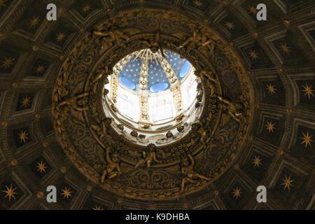 Italy, Siena - December 26 2016: interior view of the dome of Duomo di Siena. Metropolitan Cathedral of Santa Maria - Stock Photo